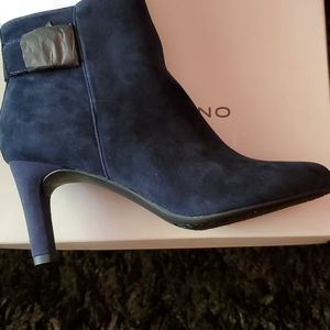 Brand New Bandolino Blue Suede Boot 6